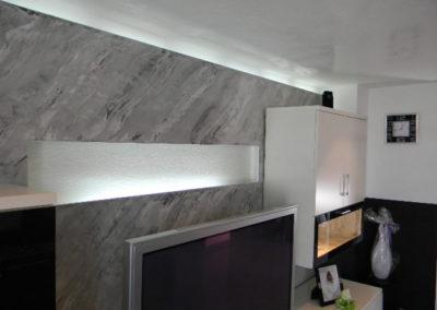 Ideal im Wohnzimmer als Fernseh- Rückwand