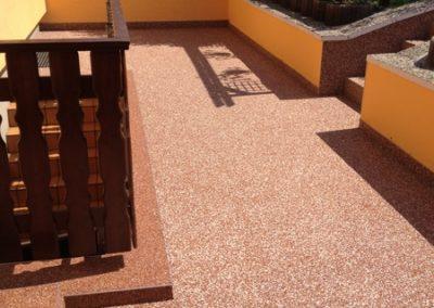 Terrasse mit Natursteinteppich