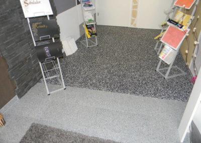 verschiedene Böden, wie Granit, Designböden und Natursteinteppich