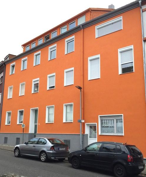 Fassadensanierung Außenputzsystem und Anstrich mit tollen und kräftigen Farben