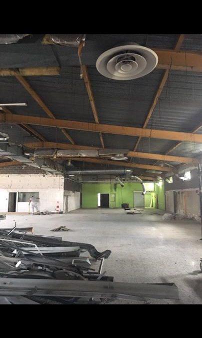 Rund 1000 m2 alte Ladenfläche Wände abreisen, Decken und Einbauten demontiert, 600 m2 Ständerwände und  420 m2 Vorwände aus Trockenbau aufstellen, 1000 m2 R