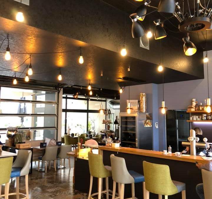 Kompletter Innenausbau eines Restaurants in Forbach, von Trockenausbau, Spachtel, Malerarbeiten sowie Bodenausgleich und Fliesenverlegung! Alles aus einer M